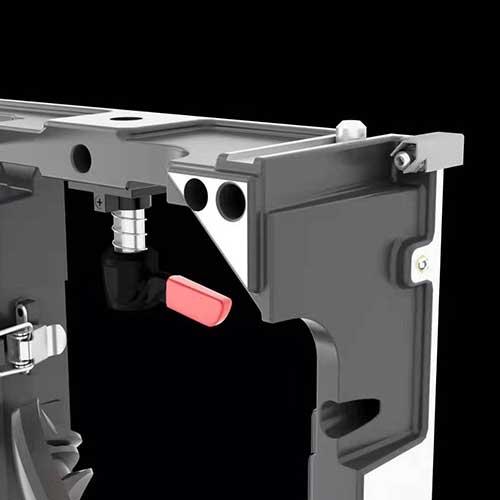 Imagen de la terminación de las equinas de cabinet para mejor protección de las bombillas de LED.